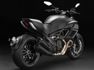 Ducati Diavel Dark rear